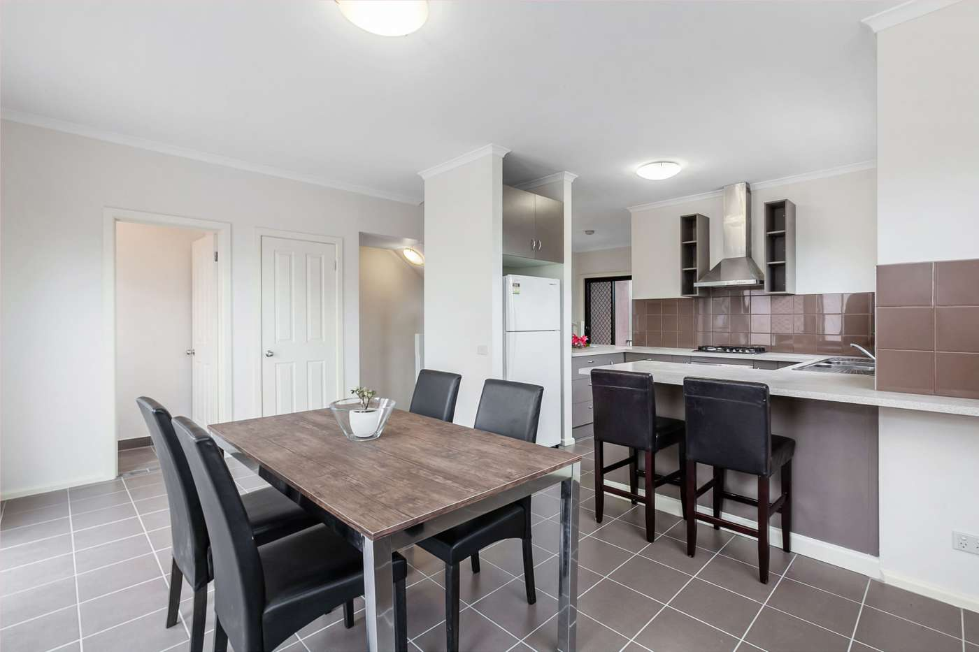 Main view of Homely townhouse listing, 2/979-985 Plenty Road, Kingsbury, VIC 3083