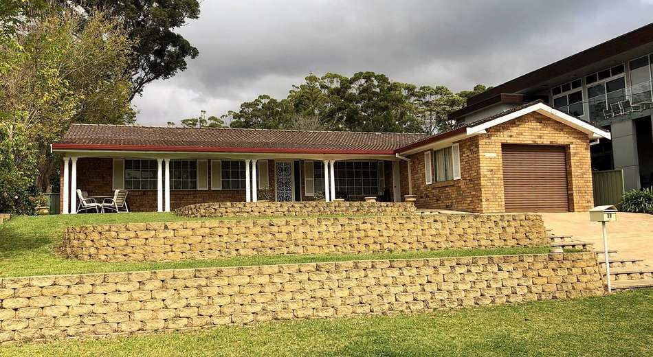 19 Bannister Head Road