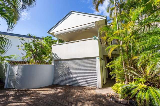 1/2 Banksia Avenue, Noosa Heads QLD 4567
