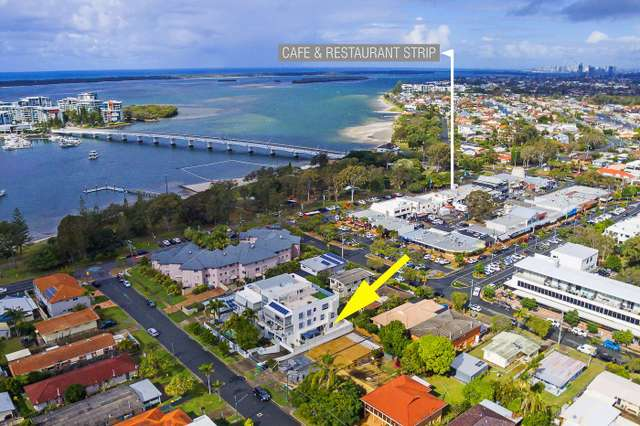 3/8-10 Victor Avenue, Paradise Point QLD 4216