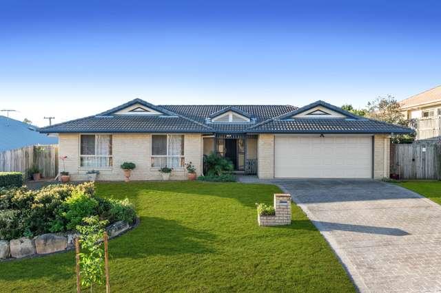 4 Summit Place, Wynnum West QLD 4178