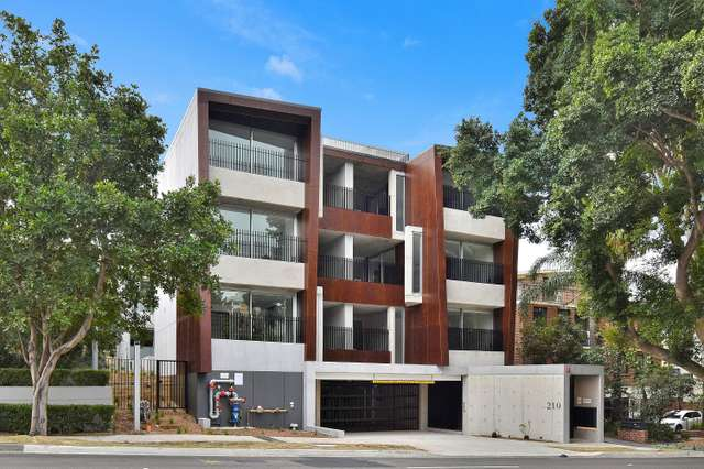 104/210 Old South Head Road