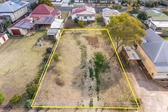 15 Monash Lane, Newtown QLD 4350