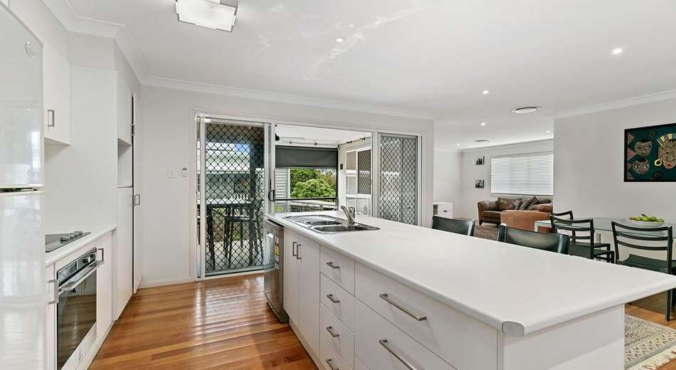 69 Barrinia Street, Manly QLD 4179