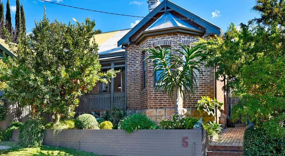 5 St Lawrence Street, Greenwich NSW 2065