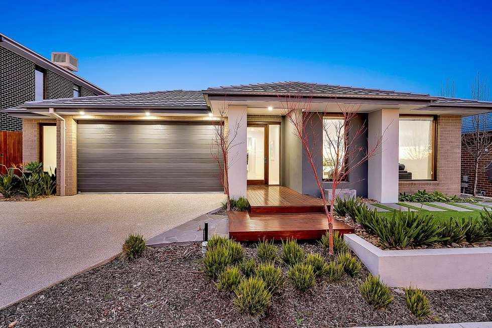 22 Dawnview Crescent, Roxburgh Park VIC 3064