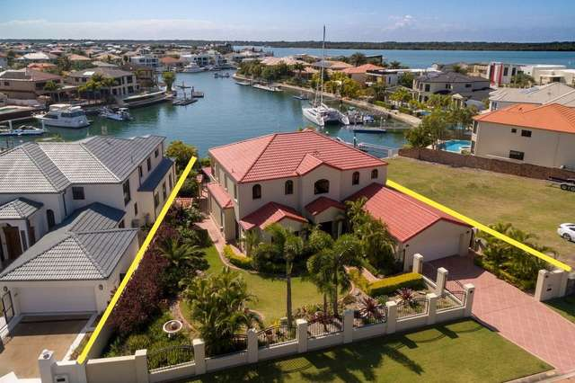 20 The Peninsula, Sovereign Islands QLD 4216