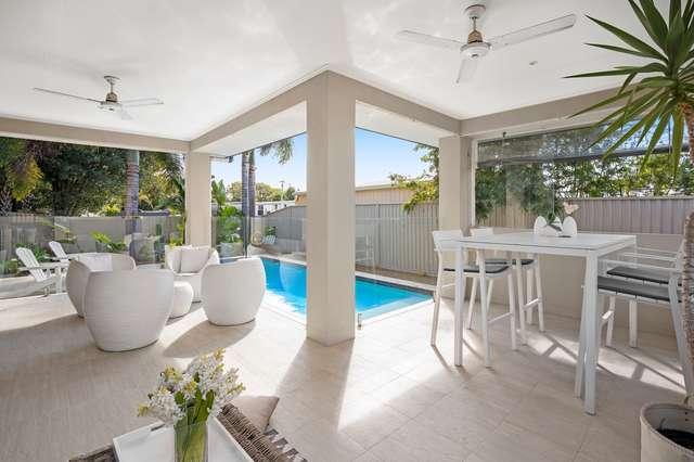 6 Ilkinia Avenue, Broadbeach Waters QLD 4218