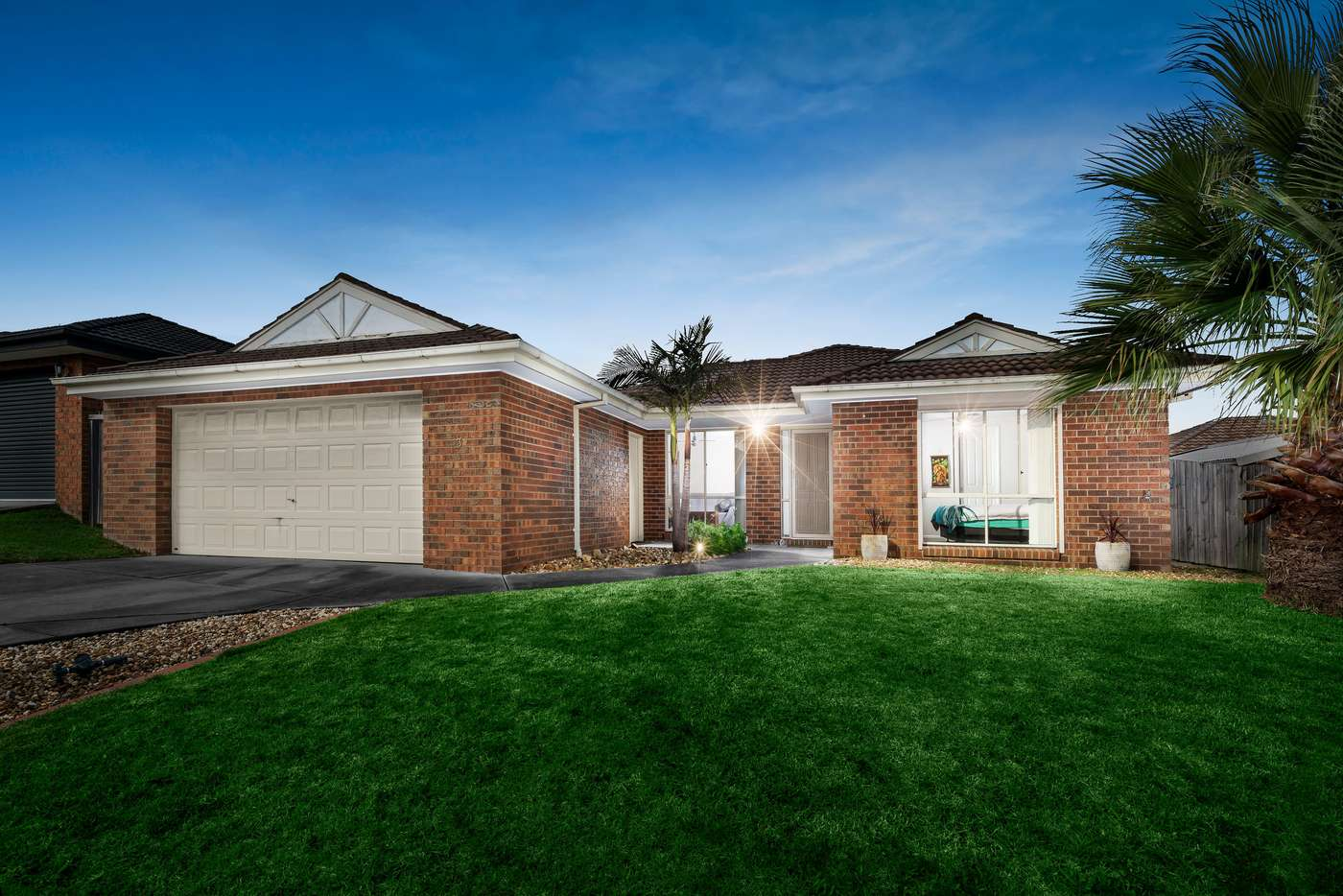 Pleasant 3 Tekarra Drive Hampton Park Vic 3976 House For Sale Home Interior And Landscaping Ologienasavecom