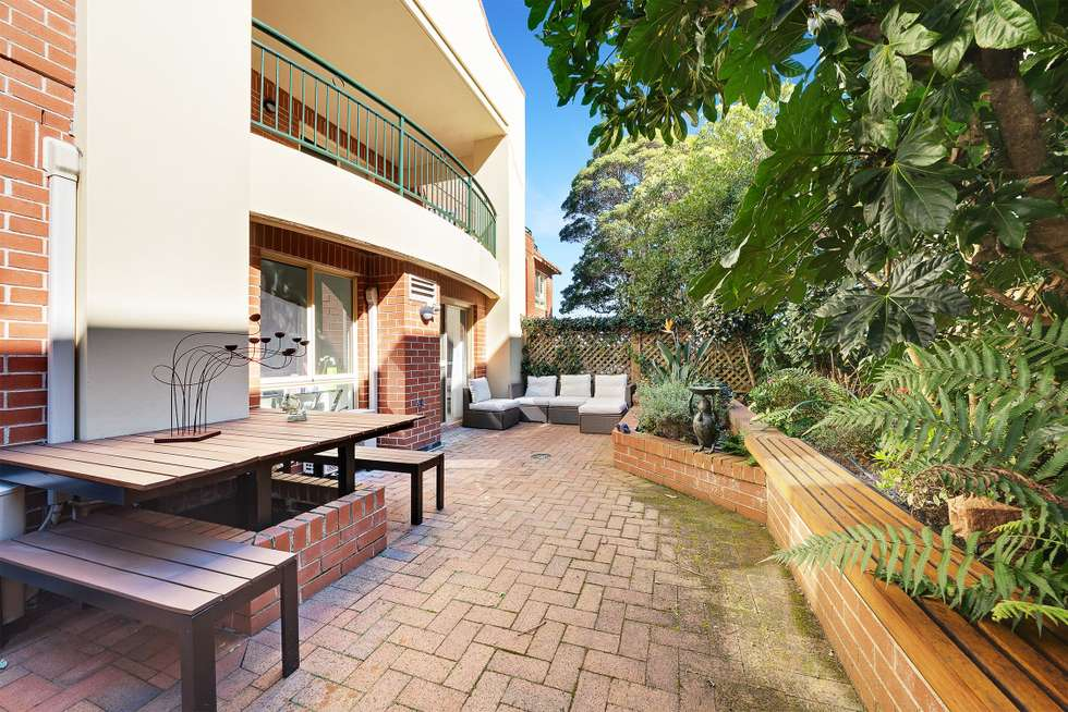 2/69 Bradleys Head Road, Mosman NSW 2088