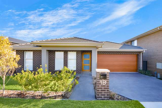 18 Lovegrass Avenue, Denham Court NSW 2565