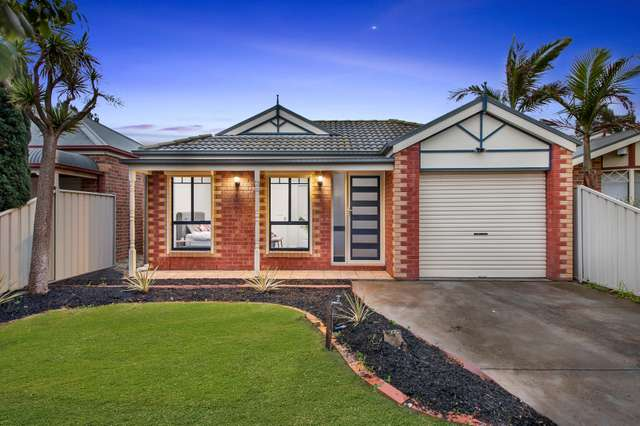 3 Plenty Close, Caroline Springs VIC 3023