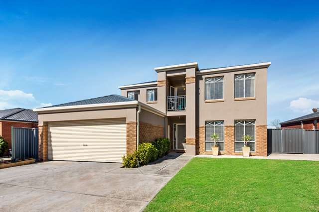 16 Pinnaroo Crescent, Burnside VIC 3023