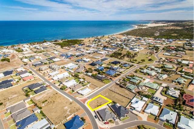 21 Reef Boulevard, Drummond Cove WA 6532