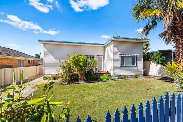 10 Dampier Boulevard, Killarney Vale NSW 2261