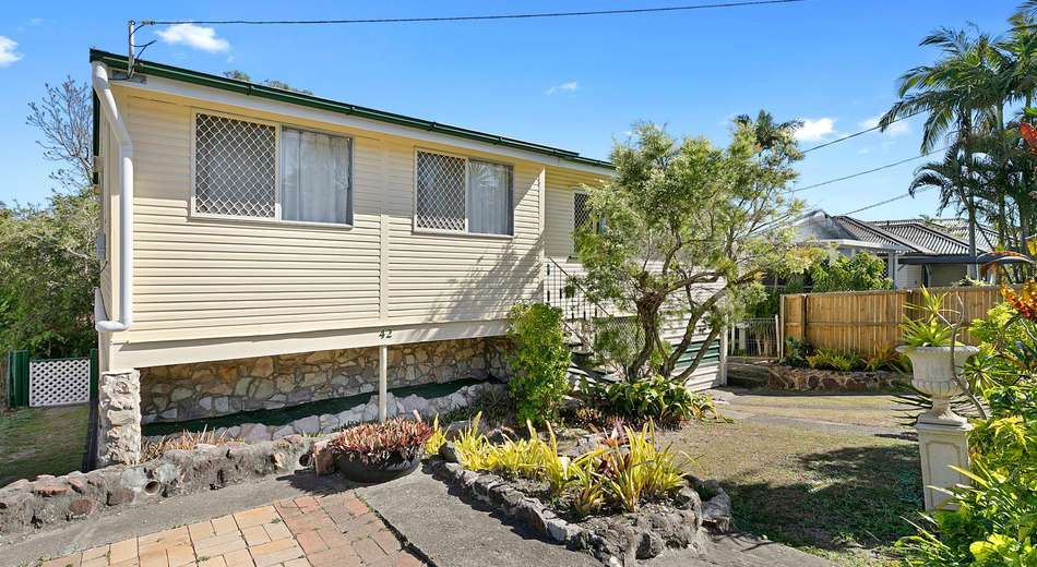 42 Roseneath Parade, Wynnum West QLD 4178