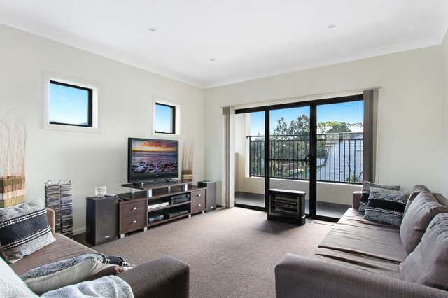 2/18 Arrow Avenue, Figtree NSW 2525