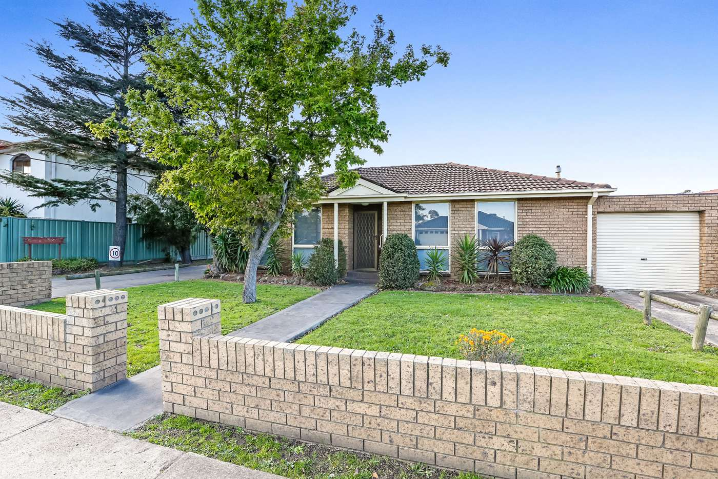 Main view of Homely unit listing, 1/64 Snell Grove, Oak Park VIC 3046