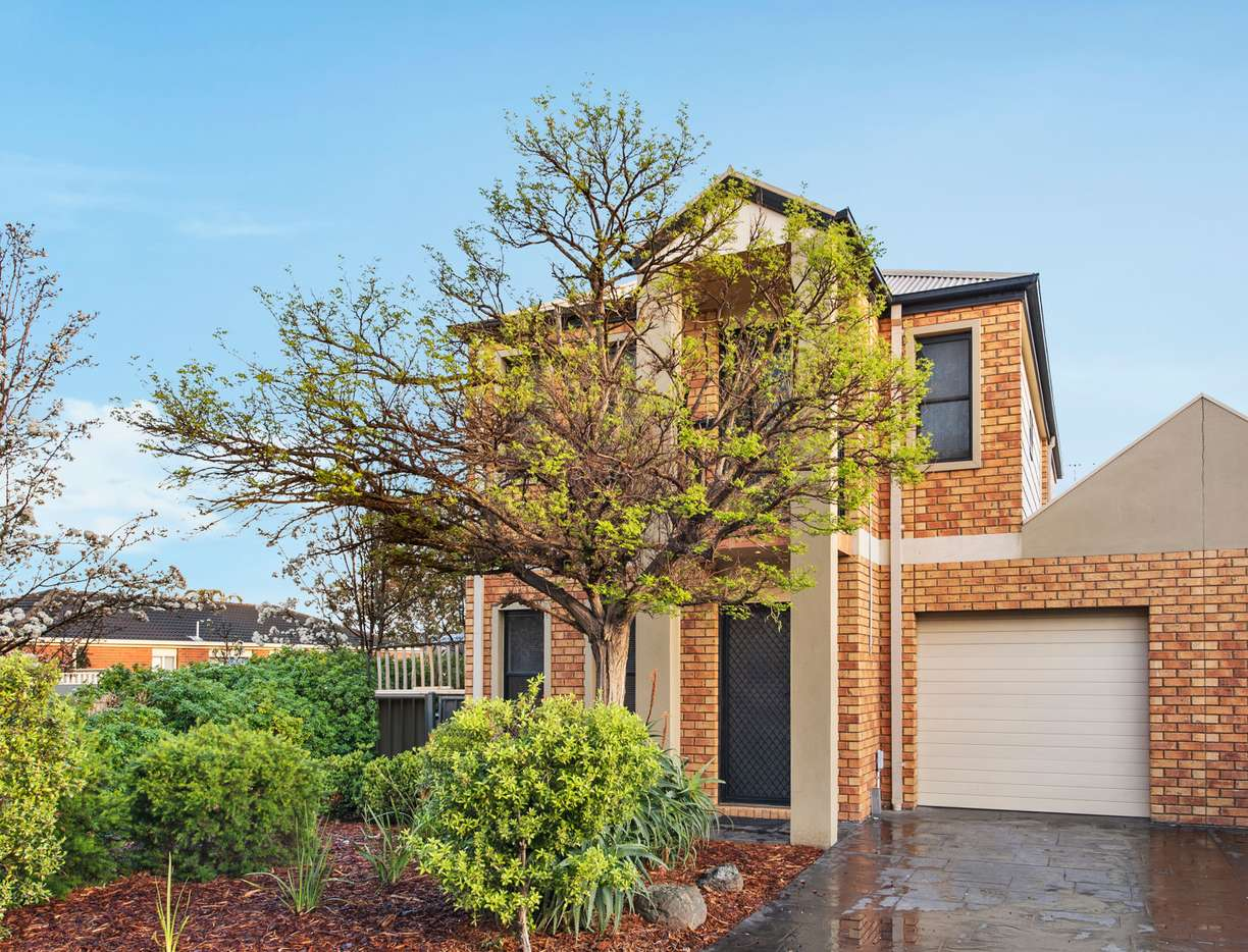 Main view of Homely house listing, 1/8 Lauffre Walk, Caroline Springs, VIC 3023