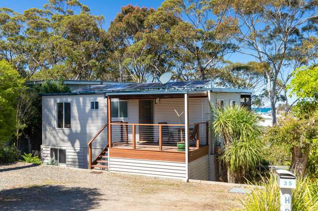 35 Forest Parade, Tomakin NSW 2537