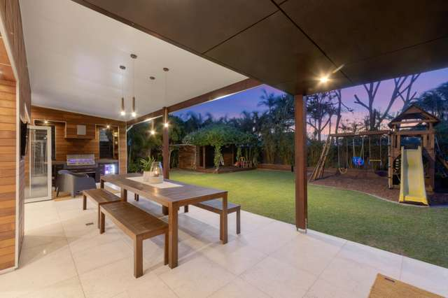 8 Oceanic Drive, Warana QLD 4575