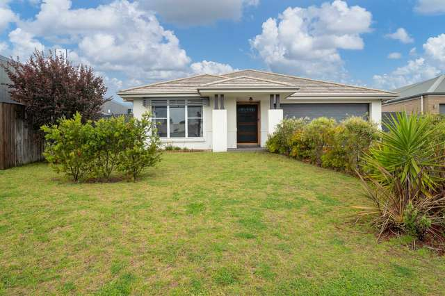 8 Red Hill Parade, Tomakin NSW 2537