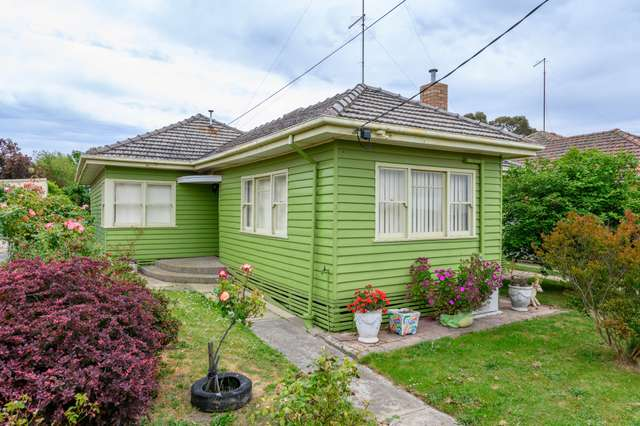 37 Brinkley Avenue, Wendouree VIC 3355