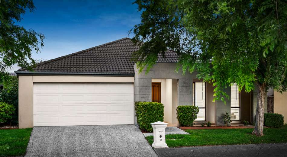 27 Sovereign Manors Crescent