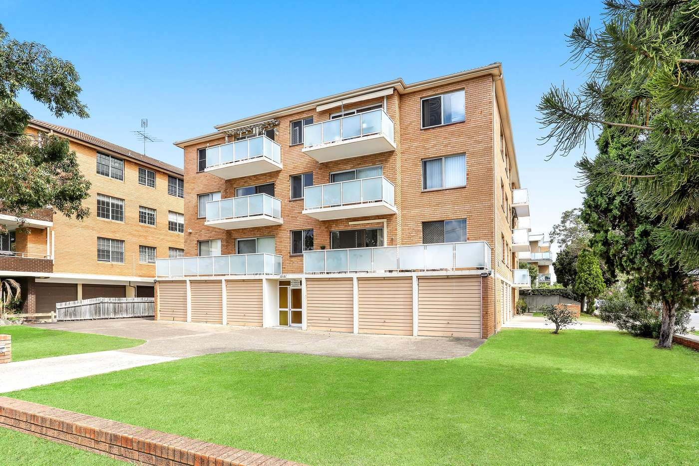 Main view of Homely unit listing, 4/16-18 Sellwood Street, Brighton-le-sands NSW 2216
