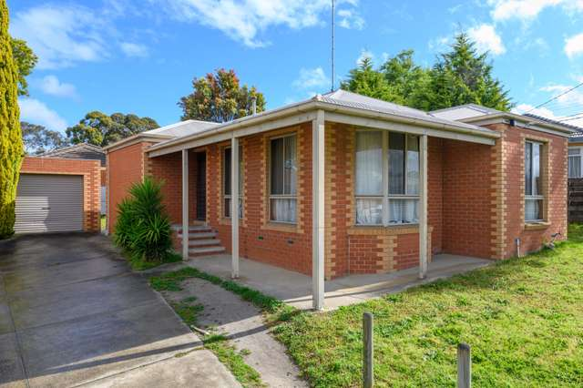 2/7 Whitehorse Road, Mount Clear VIC 3350