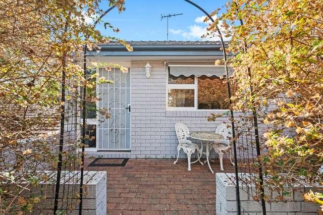 2/26 Flora Avenue, Mount Colah NSW 2079