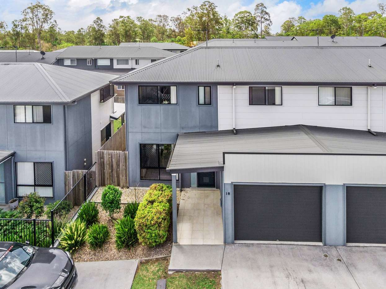 Main view of Homely townhouse listing, 18/1 Emerald Place, Bridgeman Downs, QLD 4035