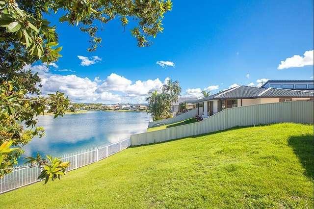 2 Darnay Road, Broadbeach Waters QLD 4218