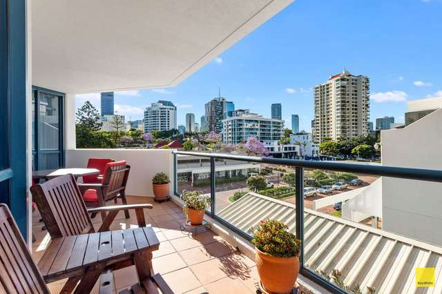 209.44 Ferry, Kangaroo Point QLD 4169