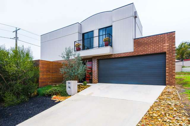 1 Lorne Terrace, Flora Hill VIC 3550