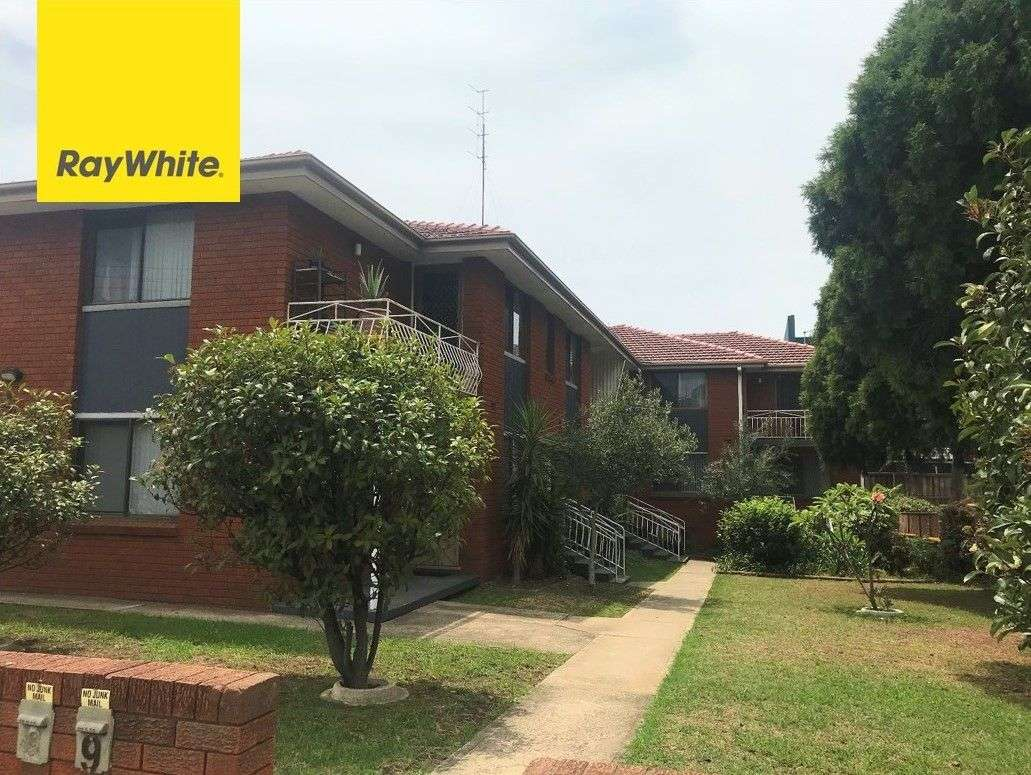Main view of Homely unit listing, 4/21 First Avenue South, Warrawong, NSW 2502