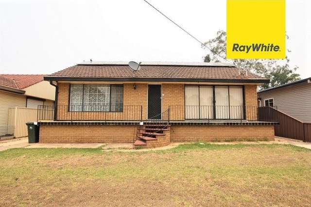 11 Alexander Crescent, Macquarie Fields NSW 2564