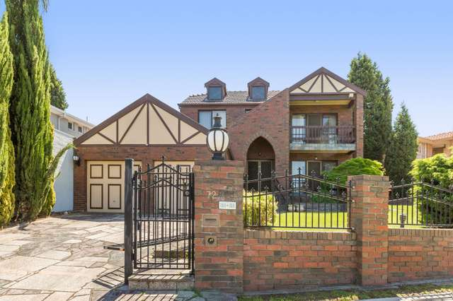72 Freemantle Drive, Wantirna South VIC 3152