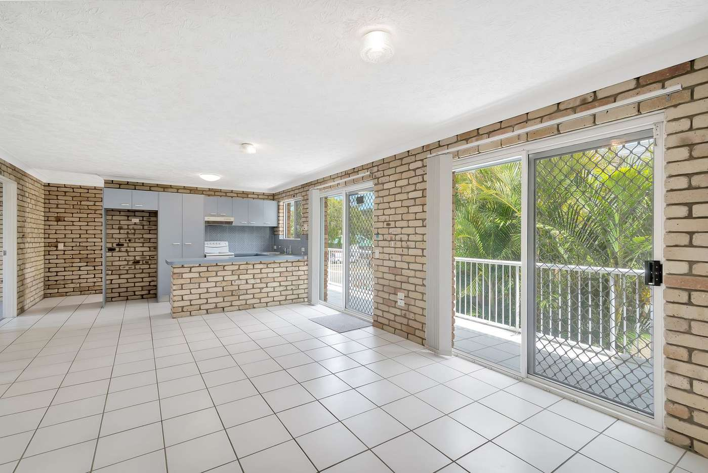 Main view of Homely unit listing, 2/8 Fenton Place, Currumbin, QLD 4223