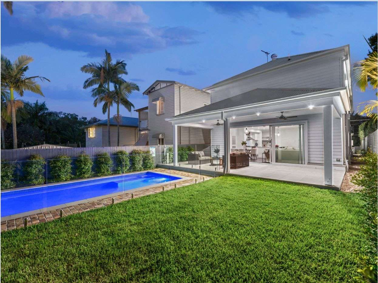 Main view of Homely house listing, 10 Banya Street, Bulimba, QLD 4171