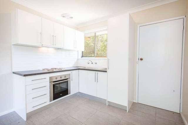 2/523 Hague Street, Lavington NSW 2641