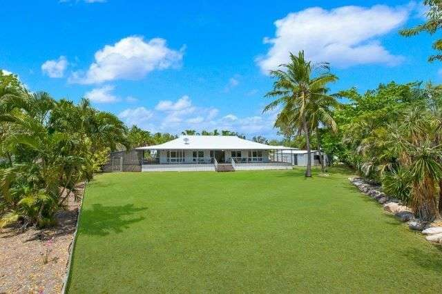 8 Anamari Court, Bushland Beach QLD 4818