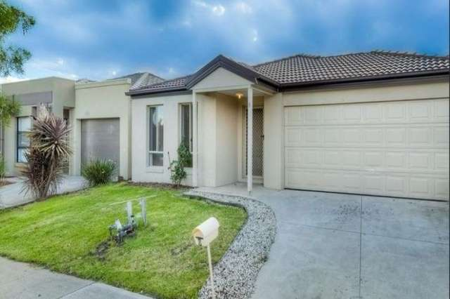 9 Gembrook Street, Manor Lakes VIC 3024
