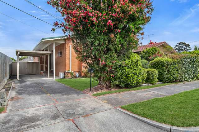 16 Robinlee Avenue, Burwood East VIC 3151