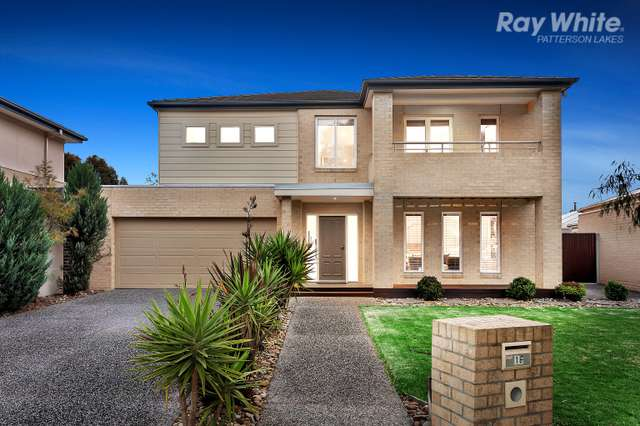 16 Merri Drive, Waterways VIC 3195