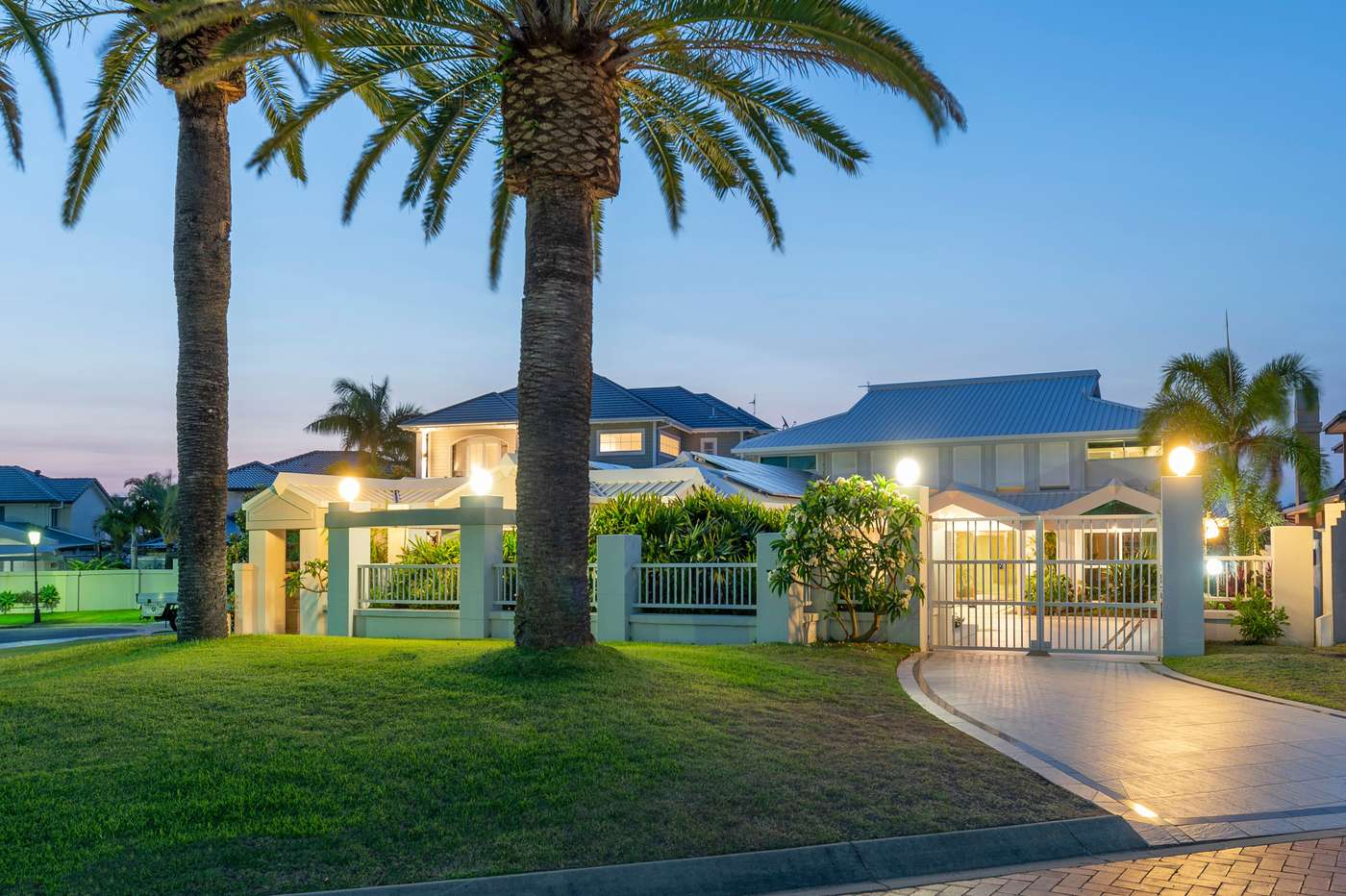 Main view of Homely house listing, 10 Excalibur Court, Sovereign Islands, QLD 4216