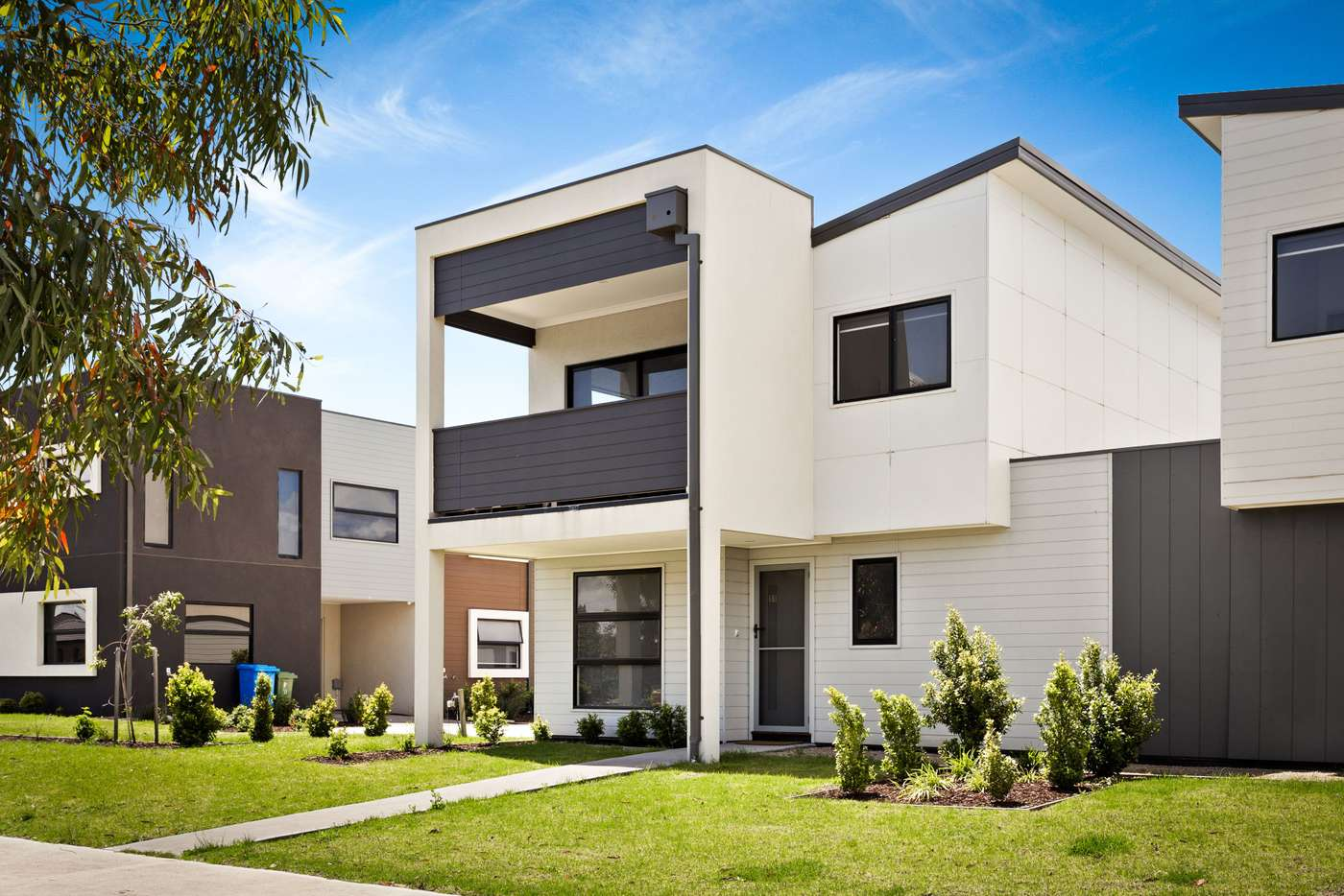 Main view of Homely unit listing, 11 Nugget Way, Cranbourne East VIC 3977