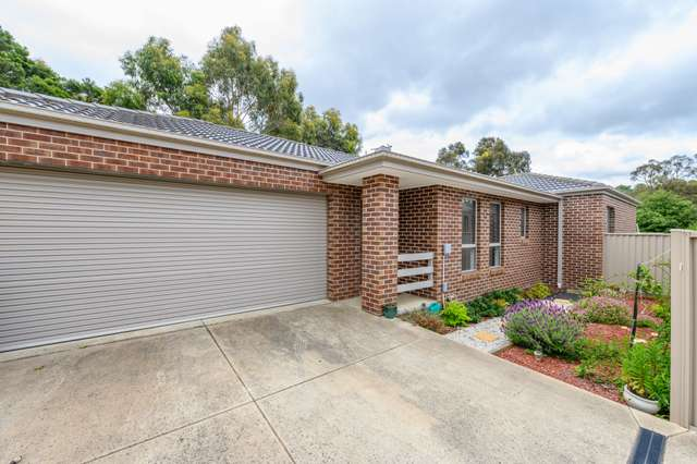2/27 Recreation Road, Mount Clear VIC 3350