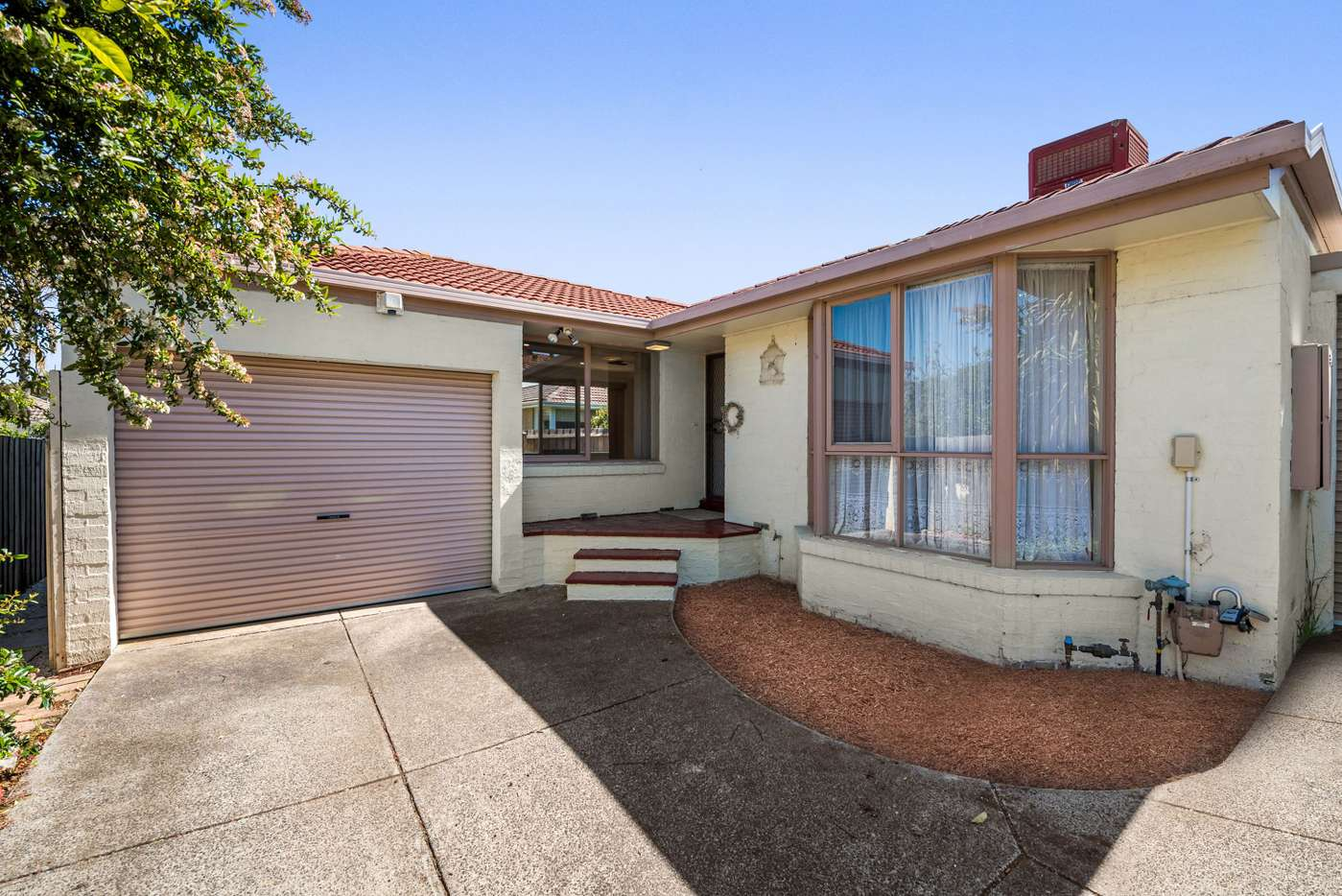 Main view of Homely unit listing, 2/10 Kincumber Drive, Glen Waverley, VIC 3150