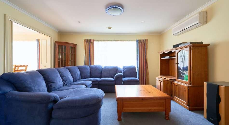 18 Castleridge Court, Narre Warren South VIC 3805